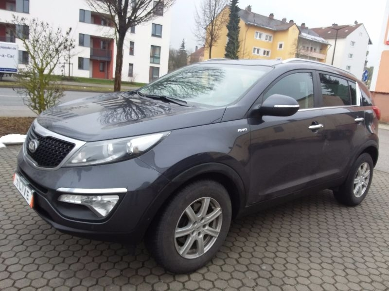 kia sportage 2 0 crdi dream team 4wd acc navi shz. Black Bedroom Furniture Sets. Home Design Ideas