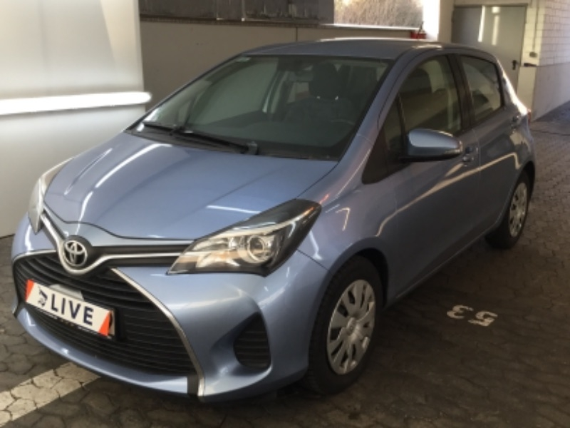 toyota yaris 1 4 comfort kamera klima navi. Black Bedroom Furniture Sets. Home Design Ideas