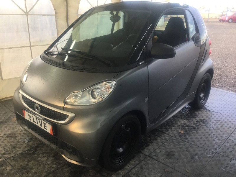 smart fortwo 1 0 micro hybrid drive pulse acc navi. Black Bedroom Furniture Sets. Home Design Ideas