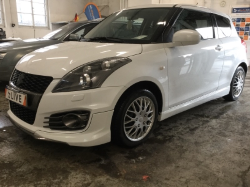 suzuki swift 1 6 sport xenon a c shz. Black Bedroom Furniture Sets. Home Design Ideas