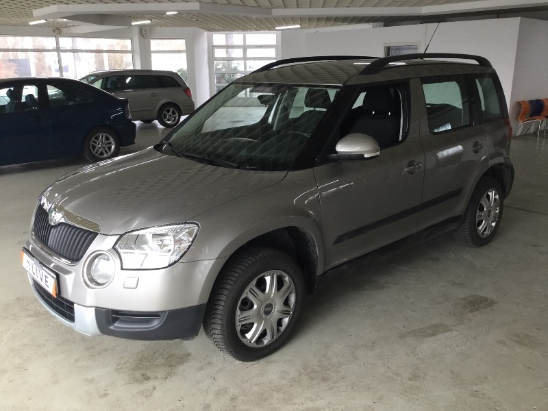 skoda yeti 2 0 tdi ambition 4x4 a c ahk 8 fach. Black Bedroom Furniture Sets. Home Design Ideas